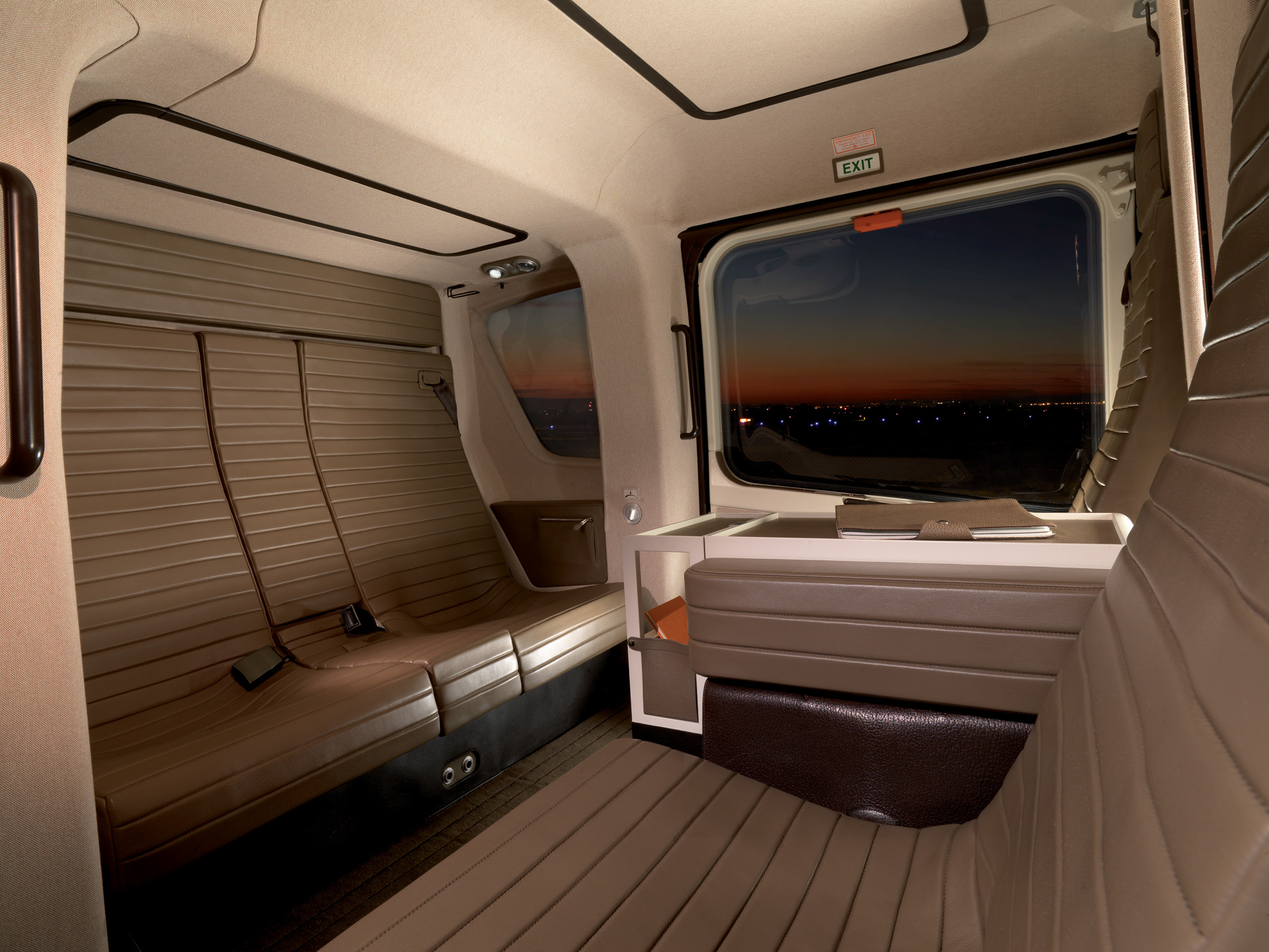 Luxurious helicopter interiors for Helicoptere interieur